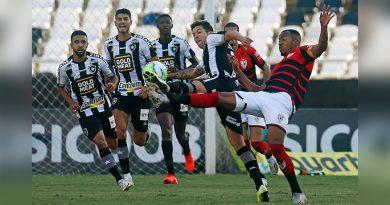 Botafogo abre o placar em casa, mas perde de virada para o Atlético-GO